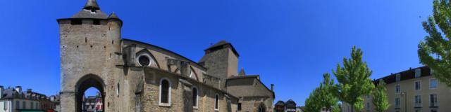 Cathédrale Sainte-Marie à Oloron-Sainte-Marie