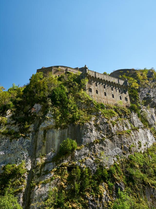 Vue sur le Fort du Portalet