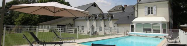 Gîte du Domaine Pédelaborde et sa piscine