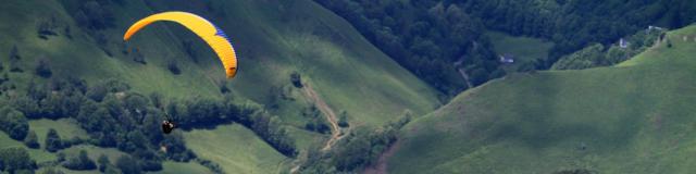 Vol en parapente à Accous en vallée d'Aspe dans les Pyrénées Béarnaises