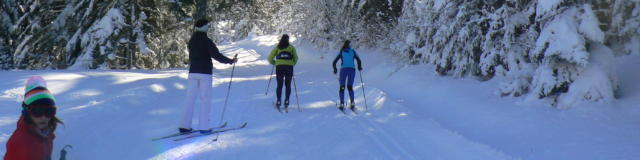 Skieuses sur Piste de ski de fond au Somport