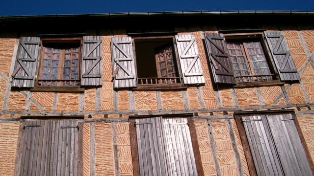 Quartier Sainte Croix Demeures Médiévales Oloron Sainte Marie