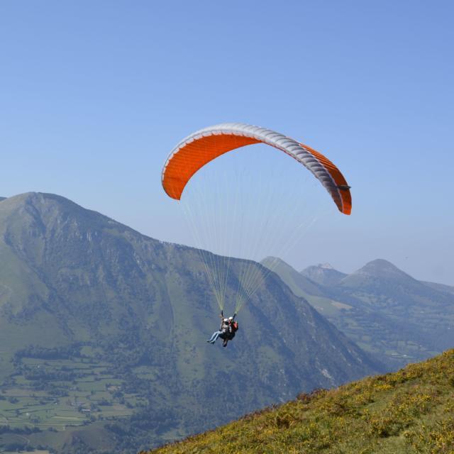 Parapente en Pyrénées béarnaises
