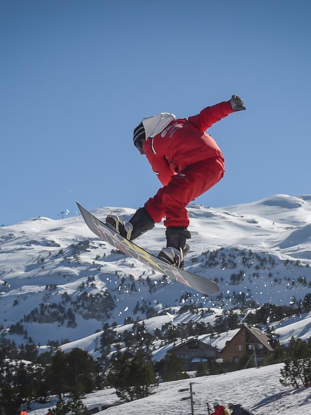 Snowboarder à la Pierre Saint-Martin