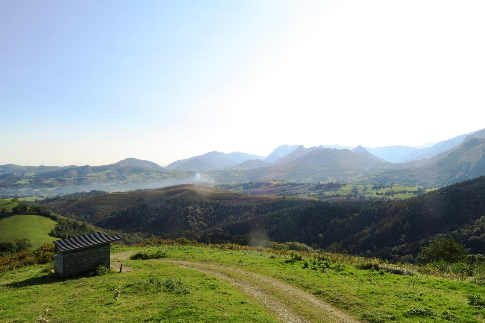 Un panorama exceptionnel sur les vallées d'Aspe, de Barétous, de Josbaig et sur le piémont Oloronais